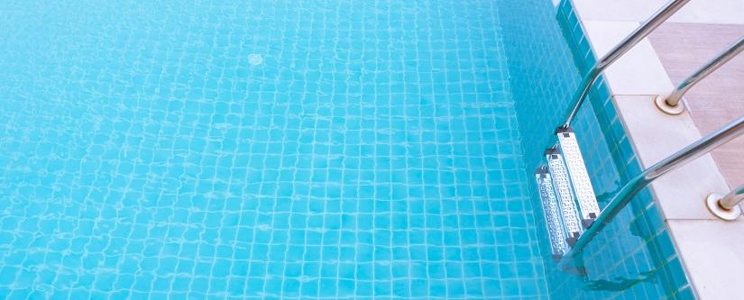 Escaleras de piscinas carrefour piscinas infantiles for Piscinas gre carrefour