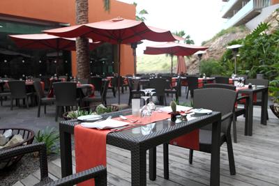 Revitaliza tu negocio con una bonita terraza for Sombrillas jardin carrefour