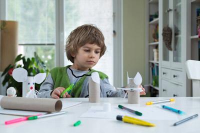 crea tus propios juguetes con material reciclado. Black Bedroom Furniture Sets. Home Design Ideas
